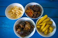 Alimento coreano nazionale in piatti Immagini Stock