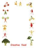 Alimento creativo Gente divertente piccola fatta delle verdure e della frutta Fotografie Stock