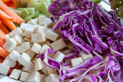Alimento cru da couve vermelha, aipo, cenouras Fotos de Stock