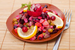 Alimento - curso russian - vinaigrette da salada imagem de stock