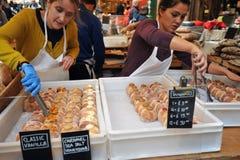 Alimento da rua em Londres do leste no mercado da cidade Imagem de Stock Royalty Free