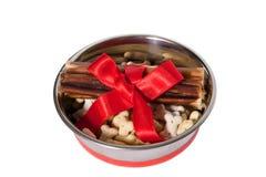Alimento de cães na bacia Imagem de Stock Royalty Free