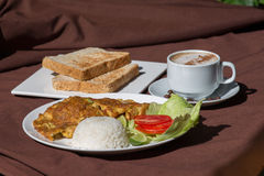 Alimento de café da manhã tradicional Fotografia de Stock Royalty Free