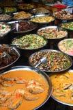 Alimento de la calle en el mercado Fotos de archivo