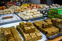Alimento de la calle en la calle musulmán en Xian Foto de archivo libre de regalías