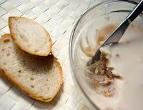 Alimento de la manteca de cerdo en el tazón de fuente de cristal foto de archivo libre de regalías