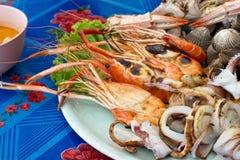 Alimento de mar da mistura no disco Fotos de Stock Royalty Free
