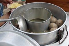Alimento de petisco tradicional indonésio do macarronete da bola de carne Fotos de Stock