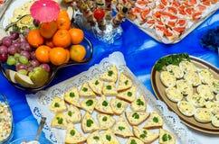 Alimento del abastecimiento en un partido Fotografía de archivo libre de regalías