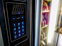 Alimento del distributore automatico della tastiera ed angolo della bevanda fotografia stock