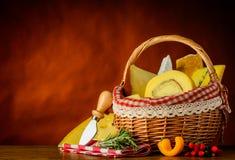Alimento del formaggio del canestro Fotografia Stock