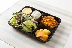 Alimento della scatola di pranzo per la dieta fotografie stock