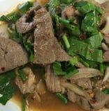 Alimento della Tailandia, insalata piccante dolce del fegato della carne di maiale Fotografie Stock Libere da Diritti