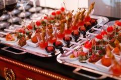 Alimento della tavola di buffet Immagine Stock