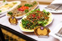 Alimento della tavola di buffet fotografie stock libere da diritti