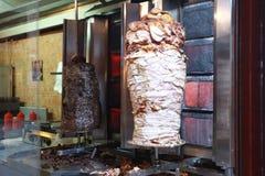 Alimento della via: kebab del doner del vitello e del pollo Fotografia Stock