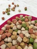 Alimento di cane asciutto Fotografie Stock Libere da Diritti