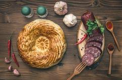 Alimento diferente na mesa de cozinha Pão fresco foto de stock