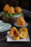 Alimento do italiano de Arancini imagens de stock