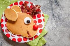Alimento do Natal para a criança Panqueca da rena de Rudolph Fotografia de Stock Royalty Free
