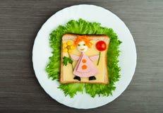 Alimento do projeto. Sanduíche creativo para a criança Fotos de Stock
