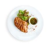 Alimento do restaurante - bife grelhado faixa da galinha foto de stock royalty free