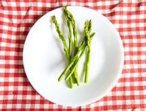 Alimento do vegetariano em uma placa aipo Imagem de Stock