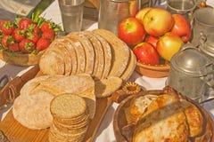 Alimento e bevanda nei periodi medioevali. Immagini Stock Libere da Diritti