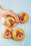 Alimento engraçado da criança Queques do Cornbread com polvo da salsicha Imagem de Stock Royalty Free