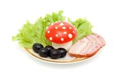 Alimento engraçado - o cogumelo é feito do ovo, tomate fotos de stock royalty free