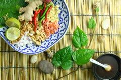 Alimento envolvido nas folhas Fotos de Stock Royalty Free