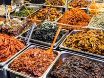 Alimento fermentado coreano tradicional no mercado de Gwangjang Seoul, Coreia do Sul fotografia de stock royalty free