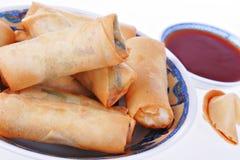 Alimento fresco do chinês tradicional dos egg-rolls fotos de stock royalty free