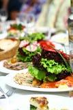 Alimento fresco e saboroso na tabela Foto de Stock Royalty Free