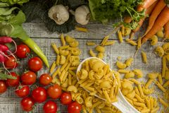 Alimento fresco na tabela Fotografia de Stock