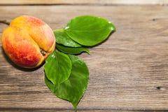 Alimento, frutta fresca, dessert dolce Pesca succosa della vitamina fresca matura Fotografia Stock Libera da Diritti