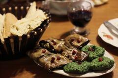 Alimento Georgian: pkhali e beringelas dos espinafres Imagens de Stock Royalty Free