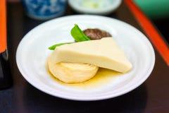 Alimento giapponese del tofu con il fungo ed il fagiolino verde fotografia stock libera da diritti
