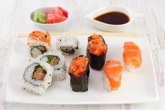 Alimento giapponese sulla zolla Fotografia Stock