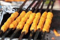 Alimento indiano da rua: Galinha Kawab Foto de Stock Royalty Free
