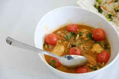Alimento indiano del sud del Sambar piccante vegetariano in una ciotola fotografie stock libere da diritti