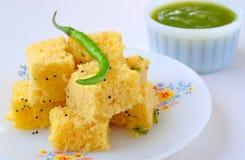 Alimento indiano Dhokla Fotografia Stock Libera da Diritti