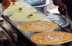 Alimento indiano Dosa popular da rua Fotografia de Stock Royalty Free