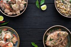 Alimento indiano sulla tavola nera immagine stock