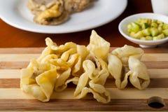 Alimento indonésio Batagor Pangsit Imagem de Stock Royalty Free