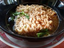 Alimento istantaneo della minestra di pasta Fotografia Stock