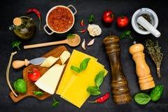 Alimento italiano che cucina gli ingredienti nella vista superiore Immagine Stock Libera da Diritti