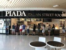 Alimento italiano da rua de Piada na alameda de América em Bloomington, Minnesota imagens de stock