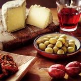 Alimento italiano na tabela Fotos de Stock