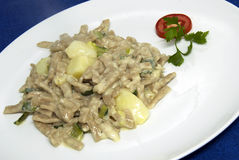 Alimento italiano - pizzoccheri Foto de archivo libre de regalías